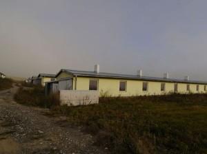 Do nových nájomných bytov v lokalite Strelník sa majú nasťahovať Rómovia z osady v Letanovciach. Miestni tvrdia, že 96 bytov je málo pre celú rómsku osadu. Autor: TASR
