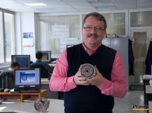 Bartolomej Janek a jeho vynález reduktora (prevodovky) pre roboty, ktorý je medzinárodne patentovaný. Autor: Boris Macko, Pravda
