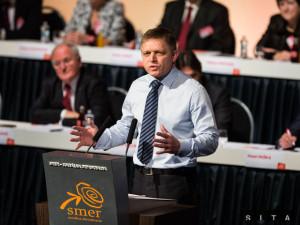 Predseda strany Smer Robert Fico počas príhovoru pri príležitosti snemu strany Smer. Autor: SITA, Jozef Jakubčo